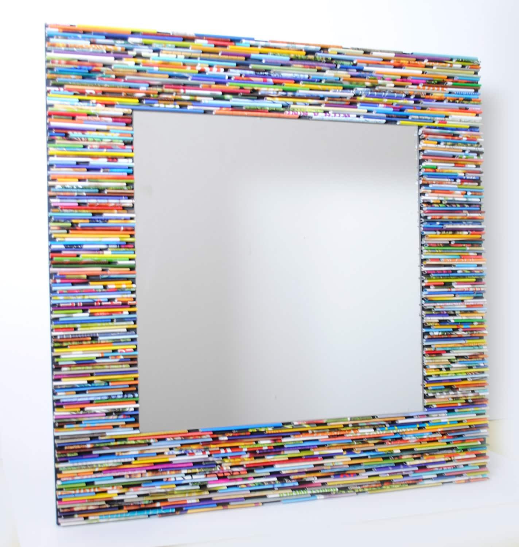 Miroir carr color wall art fabriqu partir de magazines for Carre de miroir a coller