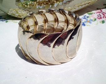 vintage bracelet, moon bracelet, moon goddess, gold tone bracelet, stretchy bracelet, elasticated bracelet,