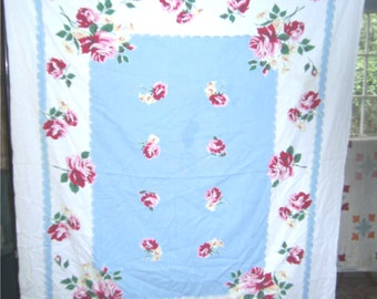 1950s Print Kitchen Table Cloth - Path of Roses