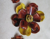 Vintage costume jewelry  /  flower brooch and earrings just reduced was 15.00 now 13.00