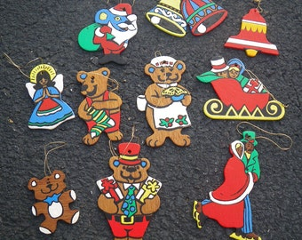 10 Wooden Hand painted  Christmas Tree Ornaments - vintage 1970s