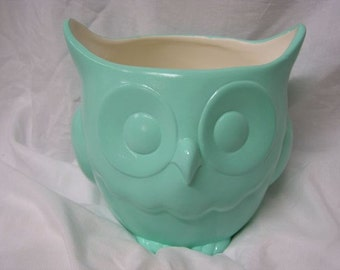Stoutly Wise Owl Candy Dish/Vase/Planter  Mint Green