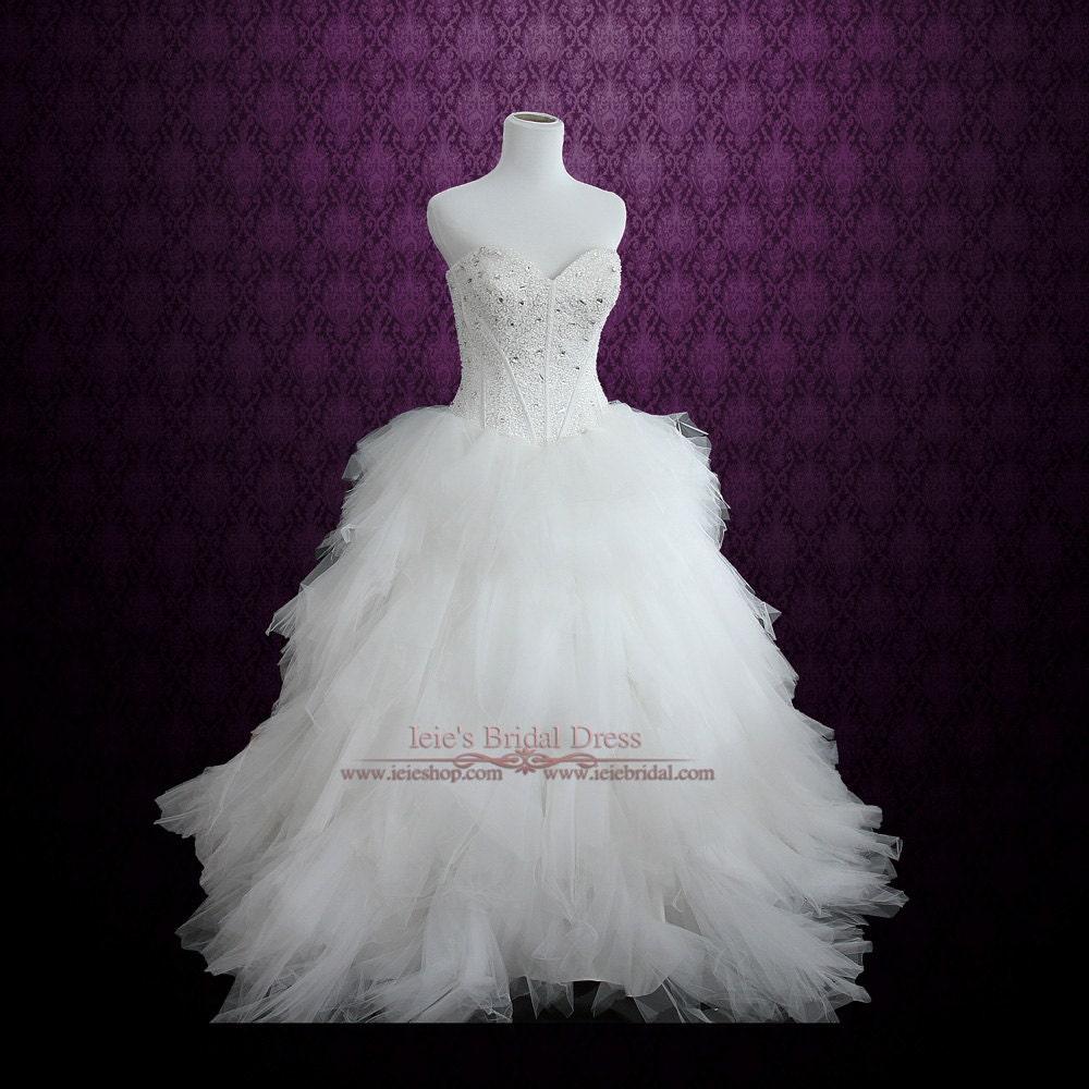 Strapless princess ball gown wedding dress with tulle feather for Strapless princess ball gown wedding dresses
