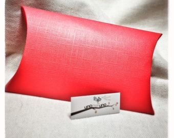 10 pillow cases - red