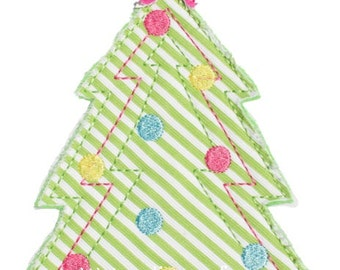 546 Raggy Christmas Tree Machine Embroidery Applique Design