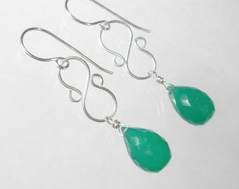 Emerald Green Drop Earrings, Green Chandelier Earring, Green Briolette Earring, Sterling Silver