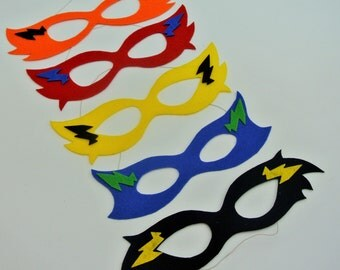 Super Hero Mask Made out of stiffed felt.  So cute for your superhero partys