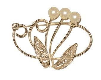 Flower Pin, Mid-Century Jewelry, Vintage Jewelry, Pearl Jewelry, Brooch, Pin, Vintage Brooch, Costume Jewelry from NewYorkMarketplace Etsy