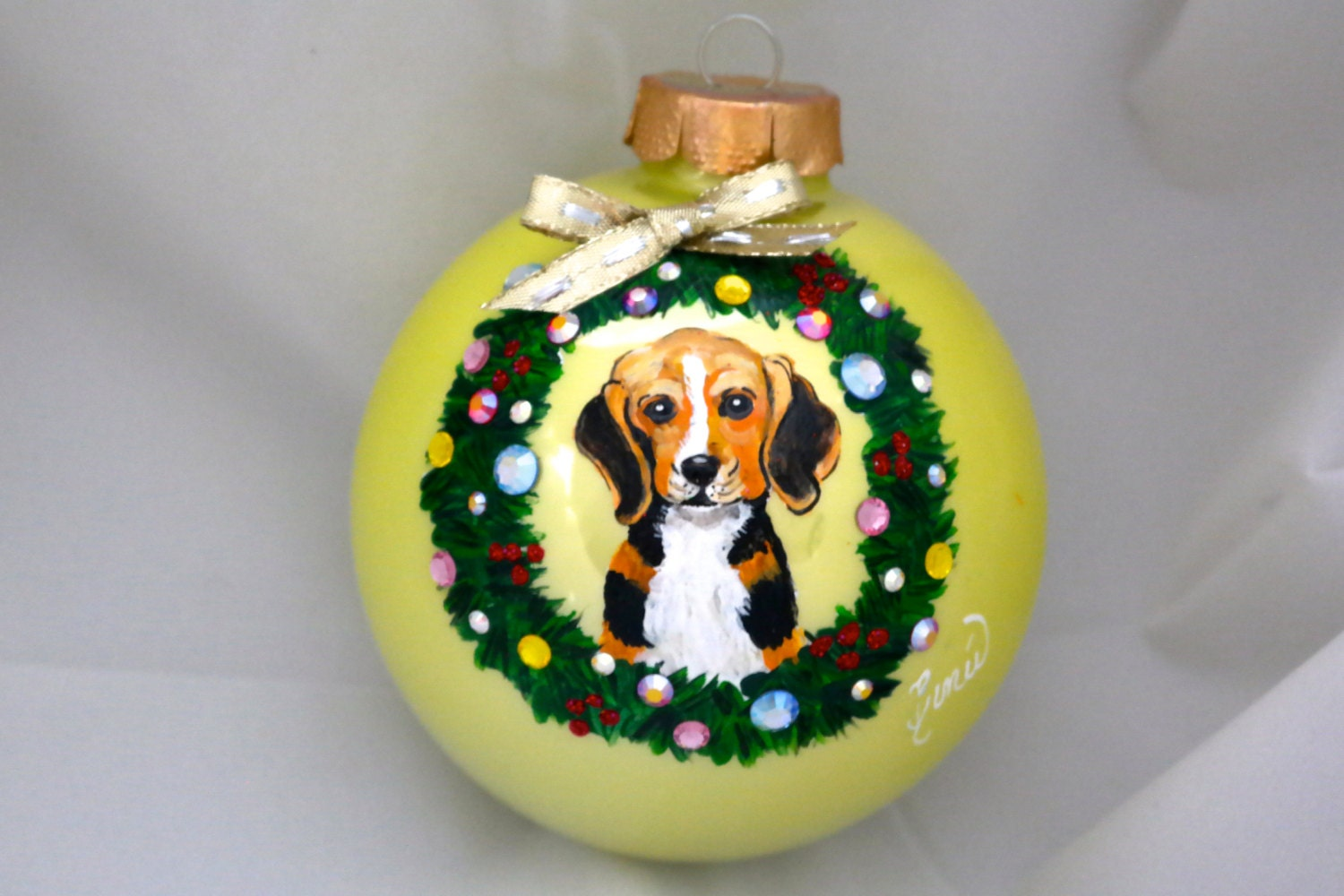 Hand Painted Ornament- Dog W/Wreath W/3D Effect-Item 800