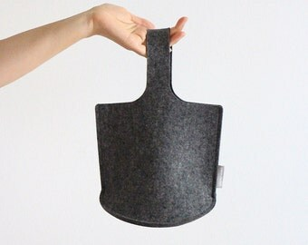 Natural Dark Grey Osampo Bag / Small Wool Felt Bag / Little Girls Bag