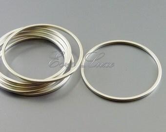 4 plain 25mm matte silver circle pendants, modern round connectors, jewelry / jewellery supplies 997-MR-25