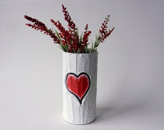 Vase with carving / red heart  / Valentine gift / wedding gift / valentine vase / made-to-order / valentines day