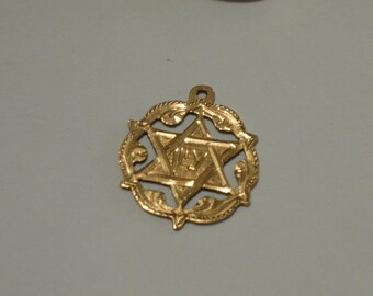 Vintage 14k gold Star of David Pendant with Zion Inscription