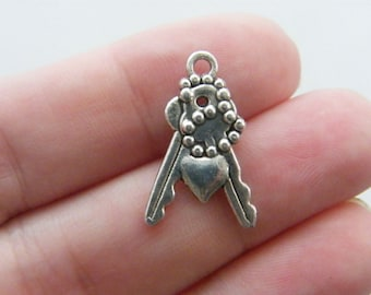 8 Bunch of keys charms antique silver tone K17