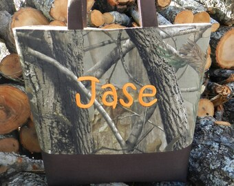 Camo Diaper bag//Personalized diaper bag/handmade diaper bag/boy diaper bag//monogrammed diaper bag/baby shower gift