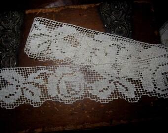 Vintage Filet Rose Cotton Lace  Crazy Quilt Trim   Shabby Cottage Appeal