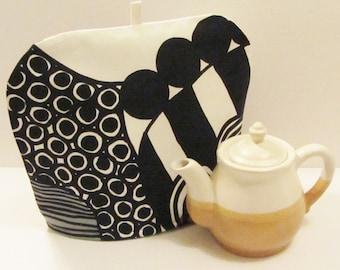 Marimekko tea pot cozy in Siirtolapuutarha for medium size teapot, black and white, authentic fabric from Finland