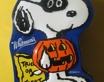 Halloween, Snoopy, Peanuts, Whitman's Candy Tin,  Vintage, Mint