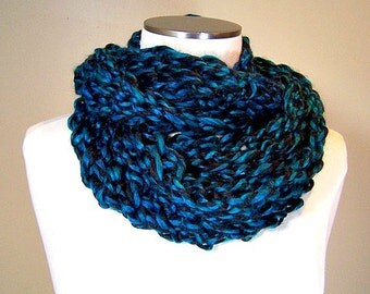 Hand Knit Peacock Blue Green Infinity Scarf, Blue Green Knit Circle Scarf, Light Weight Infinity Scarf, Aquamarine Infinity Scarf, Winter