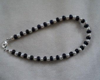 Lapis Lazuli and Freshwater Pearl Bracelet - EZ Clasp