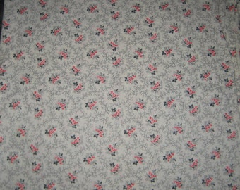 Make What Ever 2 Plus Yards  Cotton Fabric Small Flowers Pink Red Sweet