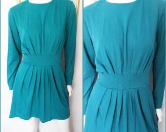 Vtg.80s Emerald Green Long Sleeve Gathered Waist Knit Mini Dress by RAOUL.M.Bust 40.Waist 30-32.