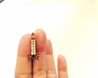 Christmas Candle rhinestones pin brooch prong set stones over gold tone holiday jewelry