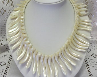 Vintage 1970s Mother of Pearl Fringe Necklace