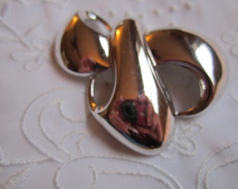 Vintage Monet Stylized Ribbon and Bow Silver Tone Brooch