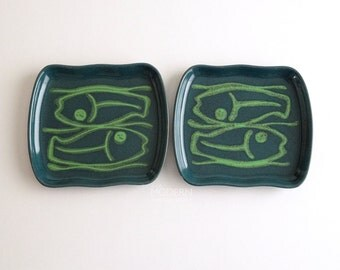 Two Glidden Mid Century Modern Green Fish Pisces 410 Plates
