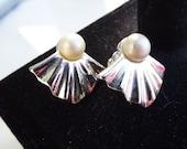 Vintage Cream Pearl Fan Earrings Silver tone
