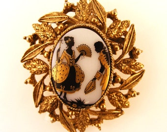 Vintage Cameo Brooch Courting Couple Black Gold Porcelain Antique Brass Victorian