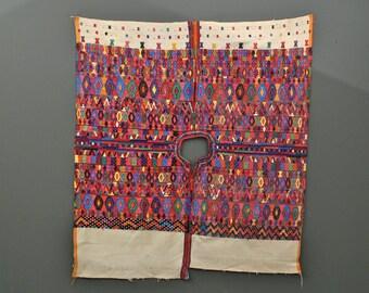 Vintage Guatemalan Poncho - Vintage Huipil - Wall hanging - Vintage Textile