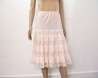 1950s Vintage Lacy Half Slip Pale Pink Tiered Pleats Skirt Slip / Small