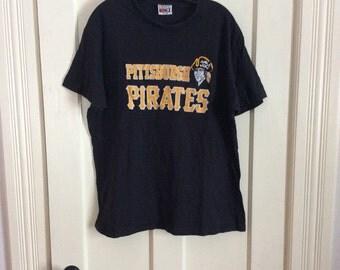 Vintage 1980's Pittsburgh Pirates Baseball Team all Cotton T-shirt size XL
