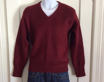 Vintage 1950's Maroon Mohair Mens Pullover V neck Sweater size Medium Fuzzy