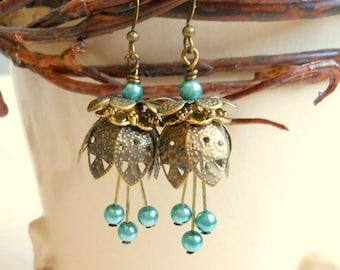 Antique Brass Tulip Earrings,Flower Earrings,Tulips,Tulip Earrings,Tulip Jewelry