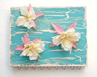 Earring organizer - Tropical Hawaiian flowers - to beautify your bedroom or bathroom
