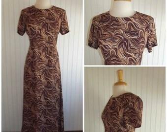 1970s Vintage Short Sleeved Maxi Dress, Swirl Print, Unlined, Size S/M  #43497