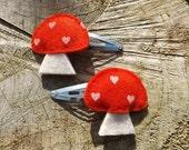 Mushroom Barrettes, Mushroom Hair Clips, Woodland Party, Felt Mushrooms, Woodland Hair, Woodland Party Favor, Mushroom Jewellery, Cute Hair