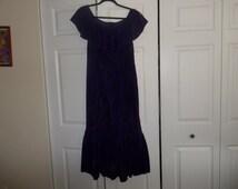 VINTAGE 1960s ONoFF SHOuLDER MAxi DRESS Size 6  plush purple velvet 1960s /1970s vtg Hi Lo Hem maxi length