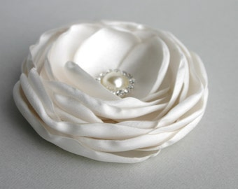 Wedding Hair Accessory, Ivory Flower Hair Clip, Flower For Hair, Bridal Accessory, Flower Fascinator, Ivory Flower Headpiece, Hair Pin, Veil
