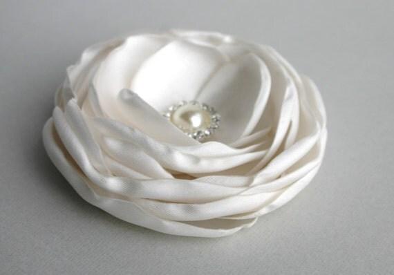 Wedding Hair Accessory, Ivory Flower Hair Clip, Flower For Hair, Bridal Accessory, Flower Fascinator, Ivory Flower Headpiece, Hair Pin, Veil