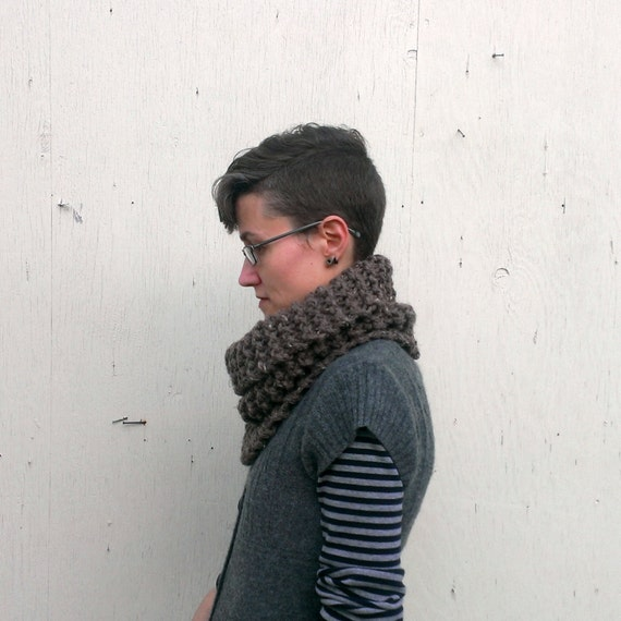 Downie - chunky knit cowl, made to order, your choice of colour