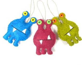 Monster Alien Ornament, Space Alien Christmas Ornament, Felt Monster Holiday Ornament, Alien Ornament, Your Choice of Color