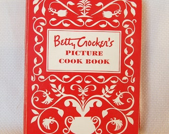 Vintage Betty Crocker's Picture Cook Book RINGBOUND 460 pages copyright 1950, ca 1950-1956     CB323