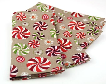 READY TO SHIP! Cloth Napkins 15 Inch Set of 4 in Christmas Holiday Peppermint Candy