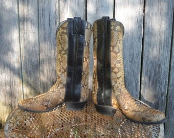 Tony Lama Snakeskin Vintage Cowboy Boots; 9.5B