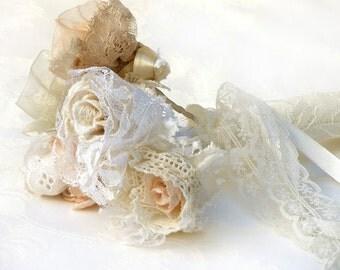 Crochet  Lace Bridal Bouquet, Lace wedding flowers, Bridesmaid bouquet, Wedding  bouquet, Antique wedding, Shabby chic Bouquet