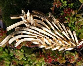 Woodland Nature Lover Vintage BSA Pine Branch Brushed Mat Gold Tone Brooch